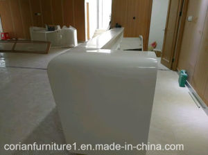 Guangzhou Factory Custom Sized Made Corian Solid Surface Reception Desk pictures & photos