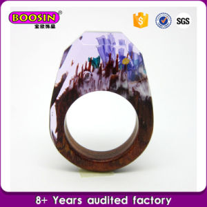 Custom Handcrafted Resin Secret Natural Wooden Rings pictures & photos