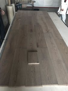 6′′x 3/4′′ Grey Wire Brushed Oak Hardwood Flooring pictures & photos
