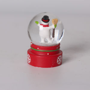 2017 New Design 45mm Christmas Snow Globe for Sale pictures & photos