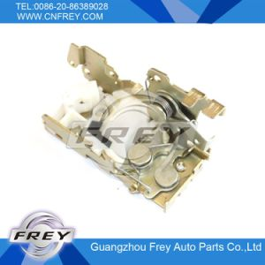 Lock Cylinder 9017301035 for Mercedes-Benz Sprinter 901-904 pictures & photos