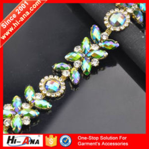 20 QC Staffs Ensure The Quality Hot Selling Rhinestone Tape pictures & photos