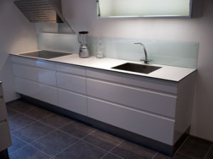 High Gloss White Kitchen Cabinet #L1020 pictures & photos