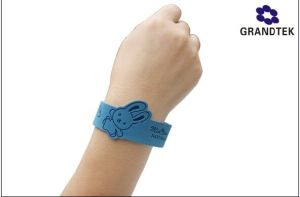 Lovely Rabbit Mosquito Repellent Wrist Band for Kids pictures & photos