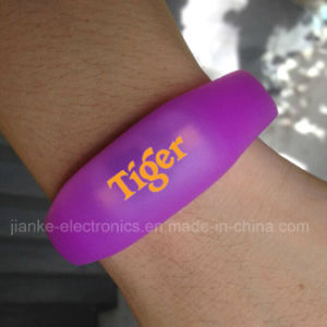 Silicone Flashing LED Fashion Bracelets with Logo Print (4010) pictures & photos