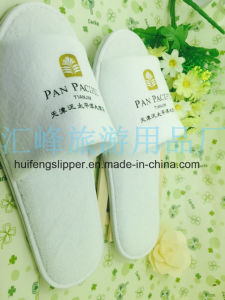 Hotel Slipper with Embroideried Customized Logo