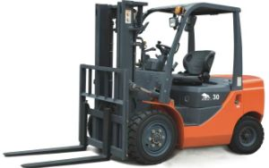 Hot Sale 6-Wheels Diesel Forklift with Isuzu Engine pictures & photos