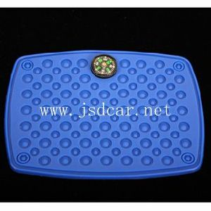 "Car Non-Slip Mat ""with Compass"" (JSD-P0046) pictures & photos"