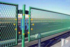 Railway Metal Expanded Mesh Fence pictures & photos