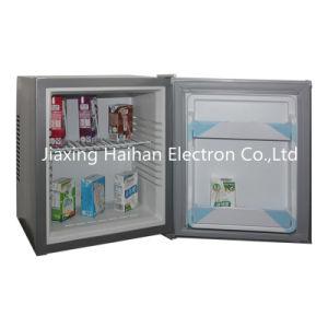 Mini Refrigerator with Solid Door (28liters) pictures & photos