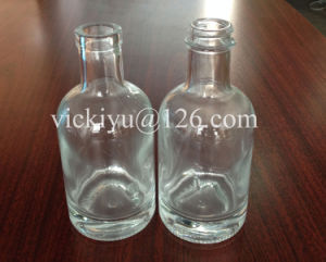 100ml High White Glass Bottle with Thick Bottom and Screw Top for Liquor pictures & photos