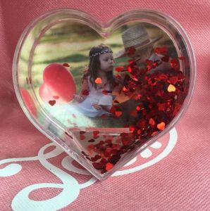 Hot Selling Heart Shaped Acrylic Photo Snow Globe for Sale pictures & photos