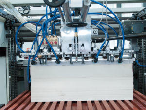 Automatic Playing Cards Slitting and Collating Machine (FQ1020) pictures & photos