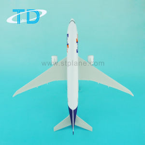 Boeing B777f 1: 200 32cm Fedsx Aircraft Model with Plastic pictures & photos