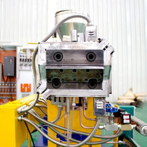 Twin Screw Extruder for Plastic Compounding pictures & photos