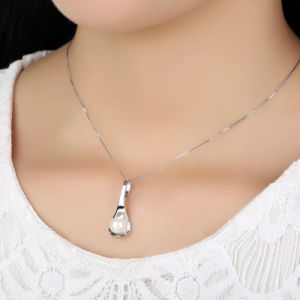 Elegant 925 Sterling Silver Pearl Pendant Necklace pictures & photos