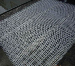 Galvanized Welded Wire Mesh Fence Panel pictures & photos