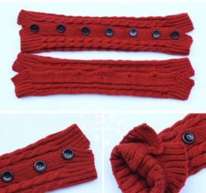 Fashionable Sex Lady Knit Button Boot Legwarmer Socks for Sale pictures & photos