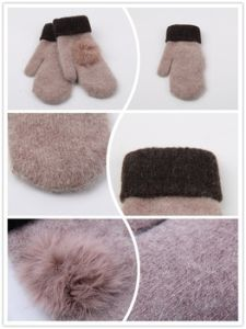 2016 New Arrival Rabbit Fur Knitted Glove with Pompom pictures & photos
