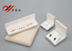 Beige Color Leather Jewelry Box for Chain and Bangle Packaging pictures & photos