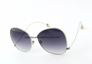 Hottest Sale Metal Sunglasses with Oversize Shape Frame Km16191 Temple End with Ball pictures & photos