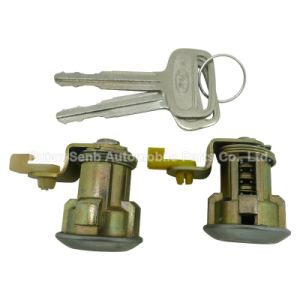 Auto Parts of Door Lock Set for Toyota pictures & photos