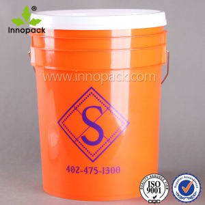 20L Round Screw Lid Plastic Bucket with Handle pictures & photos