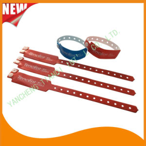 Vinyl Custom Entertainment Plastic ID Wristbands Bracelet Bands (E6060B14) pictures & photos