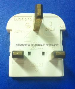 Universal Travel Adaptors AST-P4 (Socket, Plug) pictures & photos