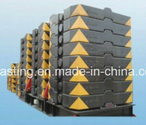 Iron Casting, Sand Casting, All Kinds of Crane Counter Weight pictures & photos