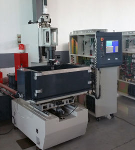 High Precision CNC EDM Sinker Machine 350*250mm pictures & photos