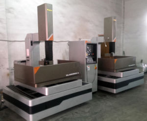 EDM Wire Cutting Machine Kd800cl pictures & photos