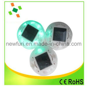 Solar LED Flashing Light Cat Eye Road Stud for Traffic Safety pictures & photos