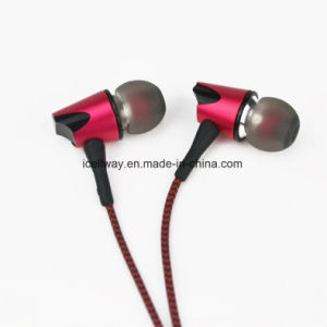 Best Quality Metal Earphone with Mic and Gold 3.5mm Plug pictures & photos