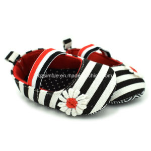 Colorful Stripe Canvas Soft Baby Shoes for Little Girls pictures & photos