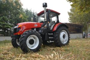 Made in China 150HP Utility Wheel Tractor for Sale pictures & photos