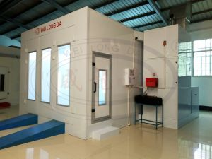Wld8200 (Standard) Hot Auto Car Paint Booth with Ce pictures & photos