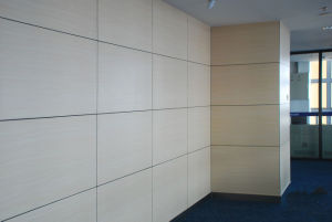 UV-Resistant Decorative Wood Grain HPL Panel Wall Cladding pictures & photos