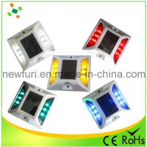 6PCS LED Flashing Solar Reflective Cat Eye Road Stud pictures & photos