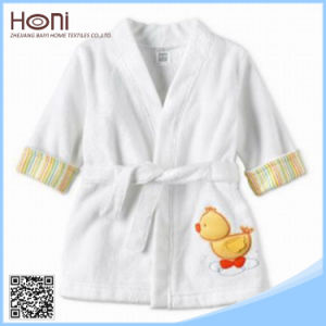 D-050 Wholesale New Design Kids Embroidery Bathrobes