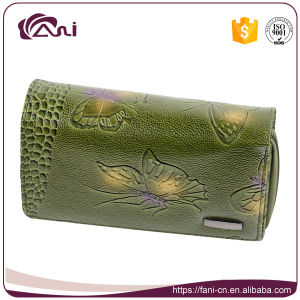 Green Color Middle Size Butterfly Embossing Printed Wallet pictures & photos
