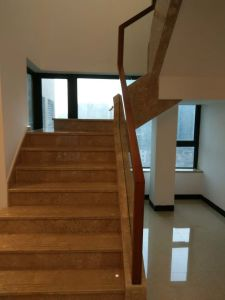 Hot Selling in Australian Simple Fashion Staircase Glass-Wood Handrail pictures & photos
