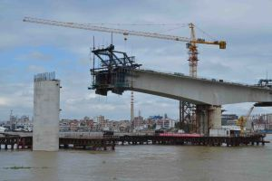 Tc-442 and Maximum Height of 200m Hydraulic Equipment Construction Tower Crane pictures & photos