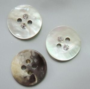 Factory High Quality Eco-Friendly Real Shell Button pictures & photos