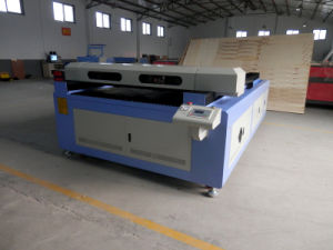 Automatic Feeding Material Laser Cutting Clothes Machine R1626 pictures & photos