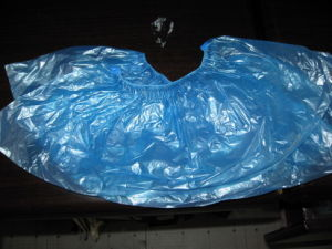 China Factory Hot Sale for Disposable Plastic PE Shoes Cover pictures & photos