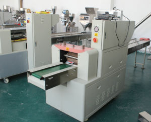 Automatic Flow Wrapper Bagging Machine / Sanitary Napkins pictures & photos