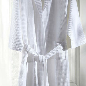 100%Cotton White Waffle Bathrobe for Hotel Use pictures & photos
