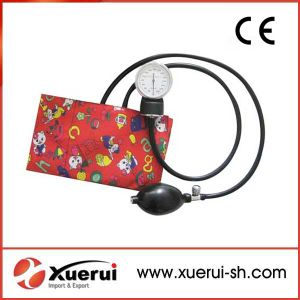 Medical Aneroid Sphygmomanometer for Child Use pictures & photos