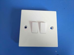 Shinely White Bakelite Copper 13A Wall Switch (W-102) pictures & photos